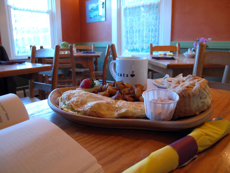 My last meal in Bar Harbor, a $15 lobster omelette, not nearly as impressive as the pancakes I usually have.  (Click images for larger versions.)