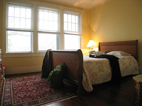 Polonius' bedroom at the James House, stately living for the actor in Sanford, NC.  (Click images for larger versions in new window.)