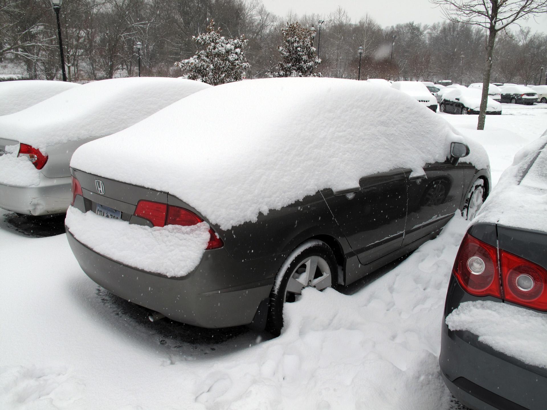 110110_snowcar